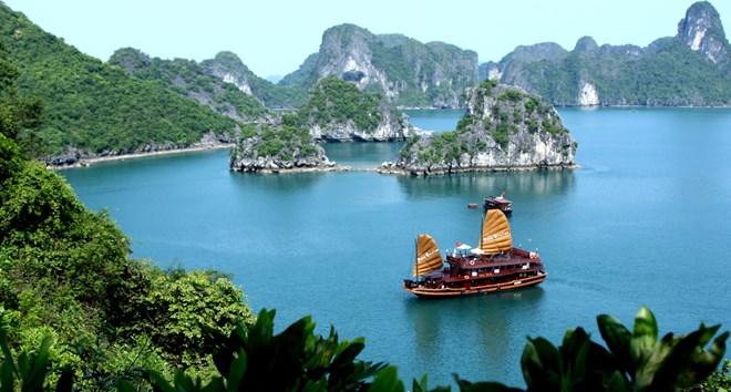 7 địa điểm du lịch không thể bỏ qua ở Quảng Ninh - 1