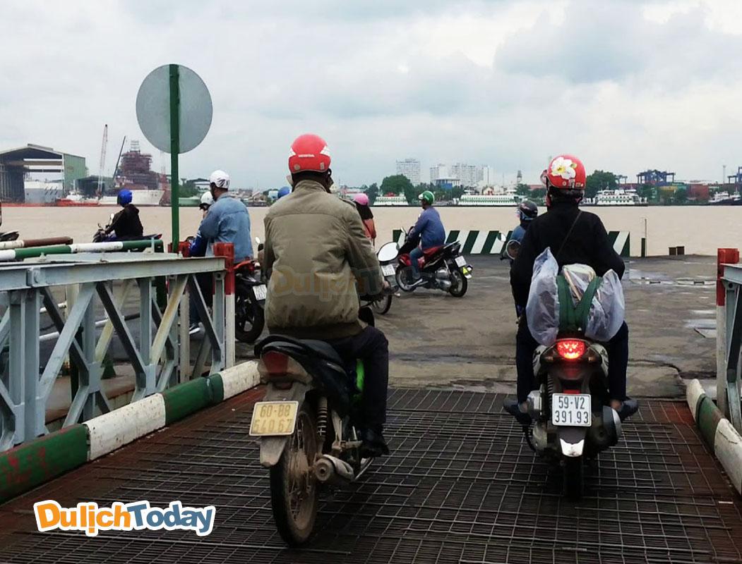 Cung đường đi qua phà Cát Lái được nhiều người lựa chọn khi đến Vũng Tàu