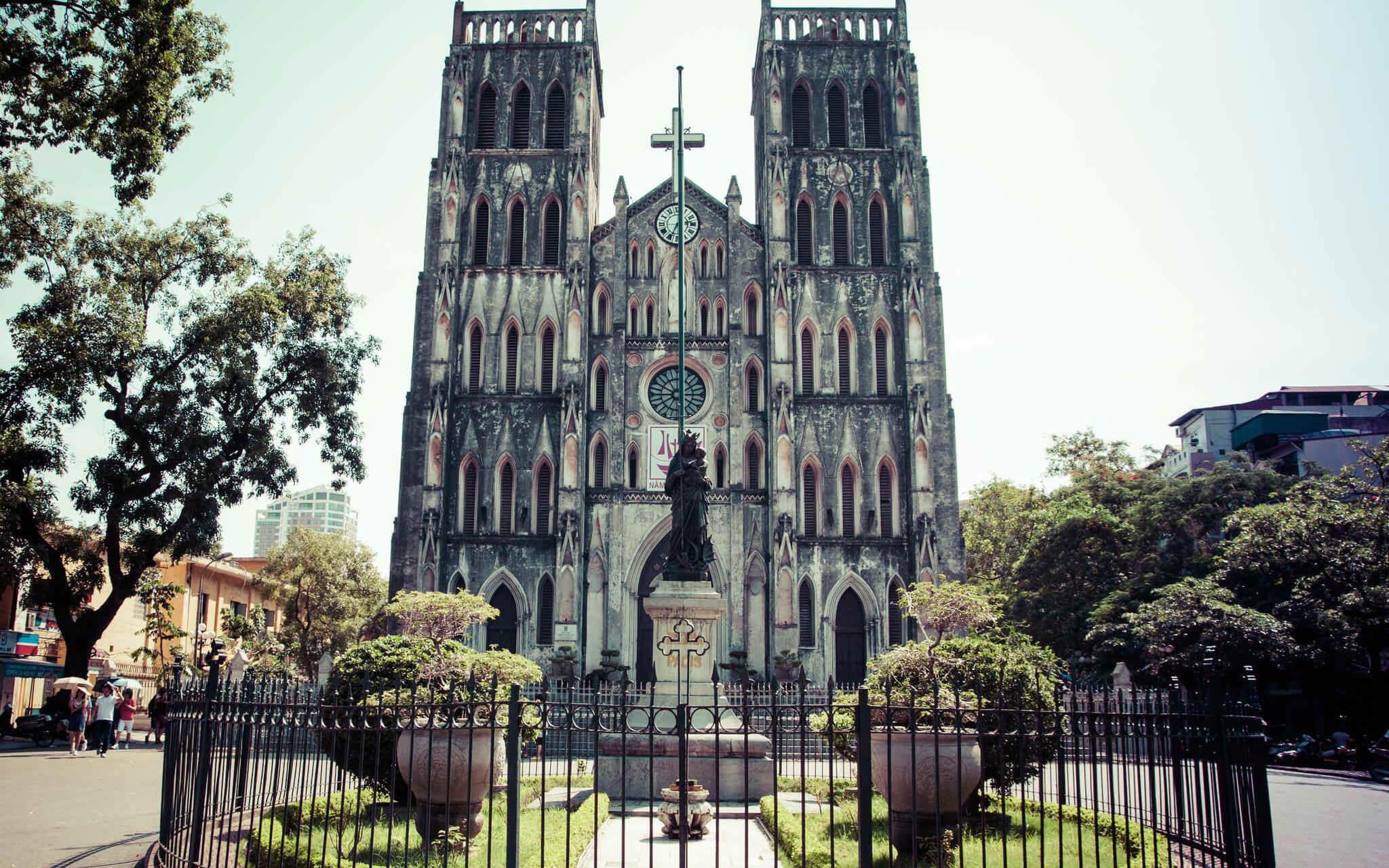 những nơi du lịch ở Hà Nội hấp dẫn nhà thờ lớn