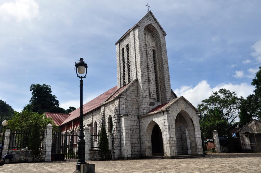 Nhà thờ đá Sapa vé máy bay đi Sapa giá rẻ