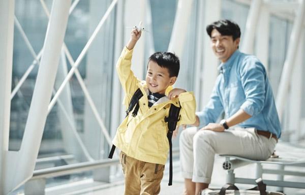Trẻ em bao nhiêu tuổi phải mua vé máy bay?