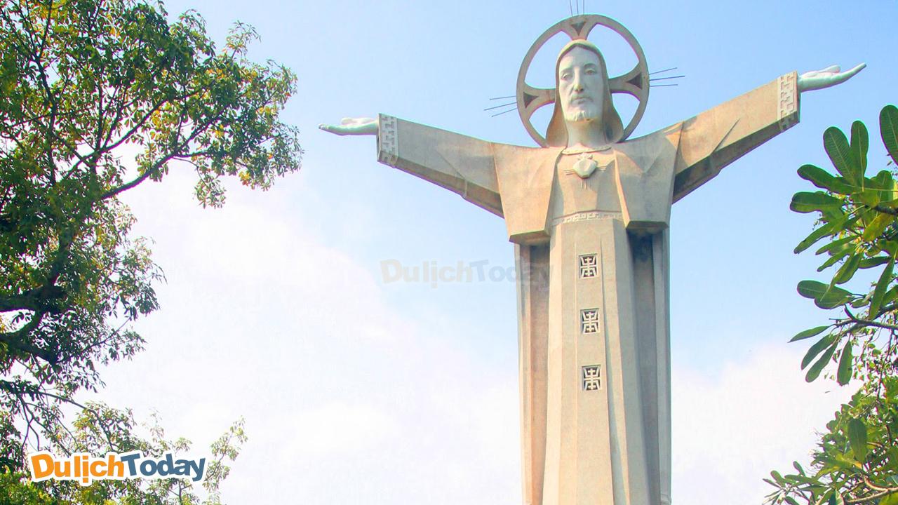 Tượng chúa Gieesssu - biểu tượng của thành phố Vũng Tàu