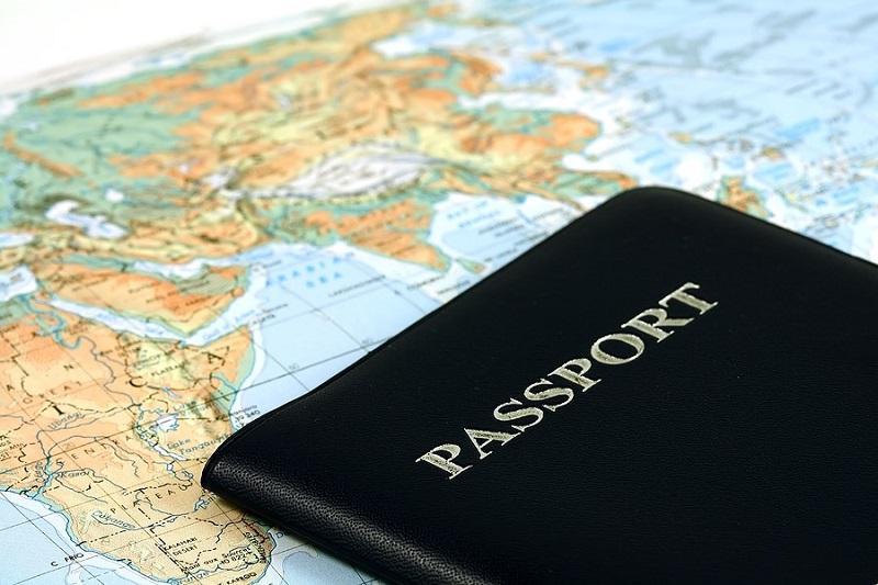 Để bay các chặng quốc tế, hành khách bắt buộc phải có hộ chiếu