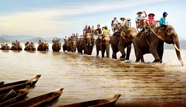 Du lịch Buôn Ma Thuột  sinh thái cưỡi voi cũng là một hoạt động thú vị ở Buôn Đôn (Ảnh: ST)