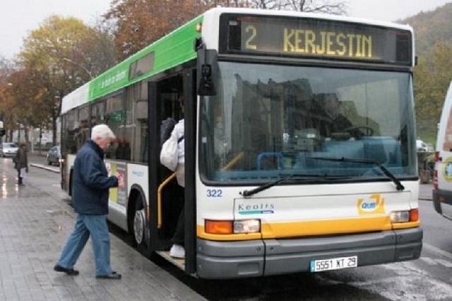 Du khách có thể lựa chọn nhiều hình thức di chuyển tại Pháp