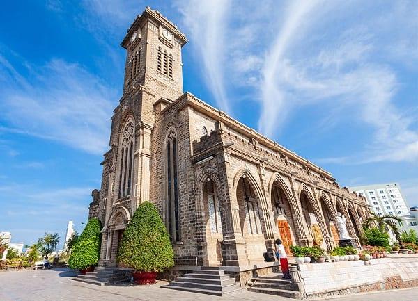 Hướng dẫn lịch trình du lịch Nha Trang tự túc, giá rẻ. Du lịch Nha Trang đi đâu chơi? Nhà thờ núi