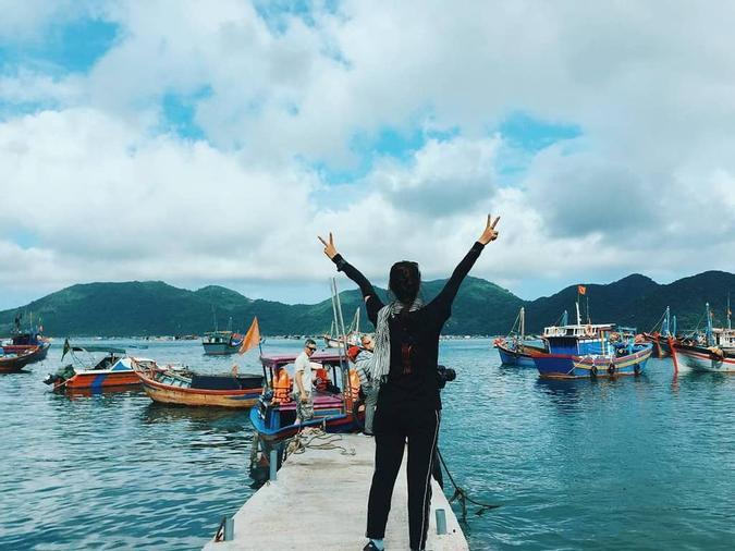 Vịnh Vũng Rô với những làng bè nuôi hải sản